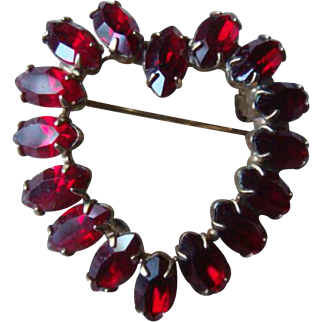 16 Marquise Prong Set Red Glass Rhinestones Heart Pin Brooch