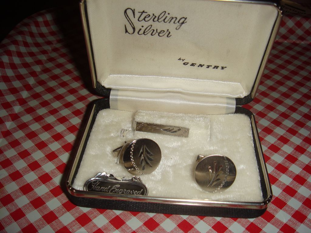 Sterling Silver Gentry Hand Engraved  Cufflinks Tie Bar / Clasp Original Box