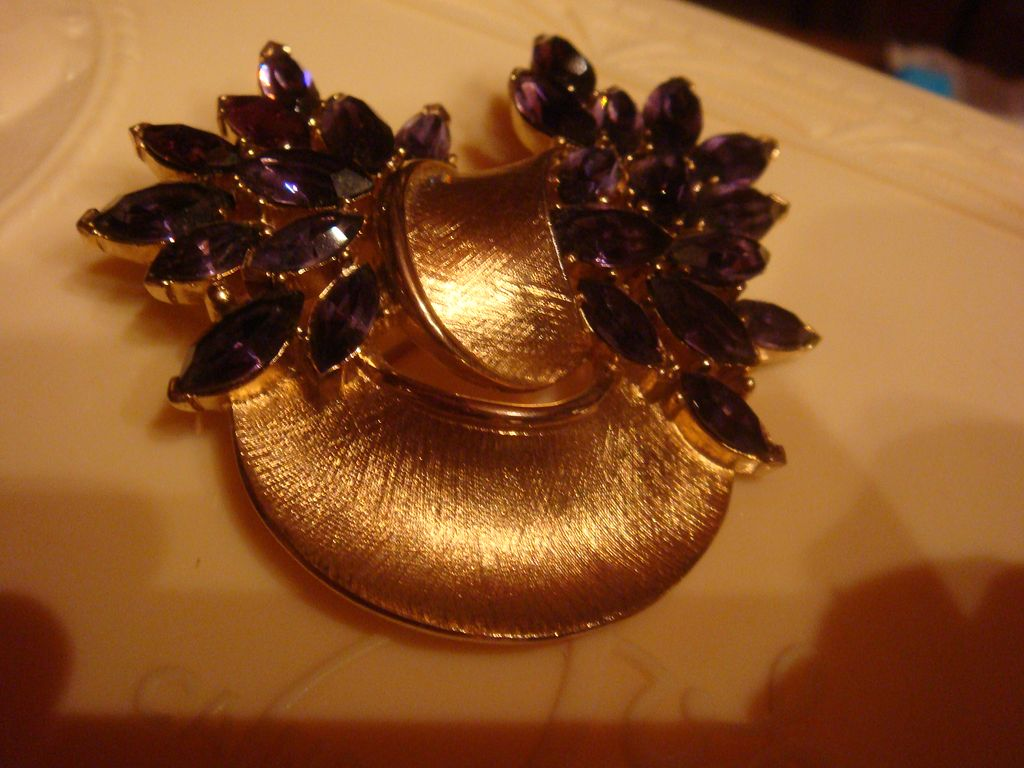 CROWN TRIFARI Brooch Brushed Goldtone & Deep Purple Amethyst Rhinestones
