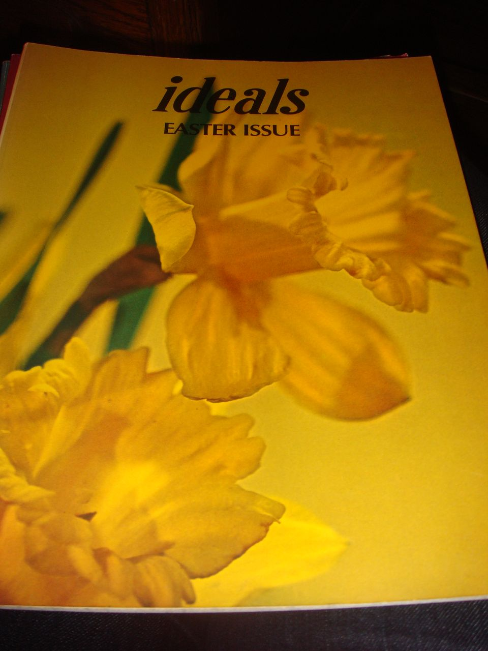 1975 IDEALS Easter Issue Volume 32 Magazine