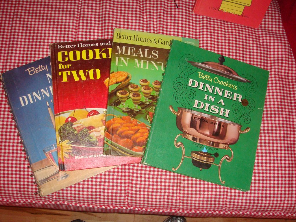 4 Great Cookbooks for One Price! Betty Crocker & Better Homes & Garden