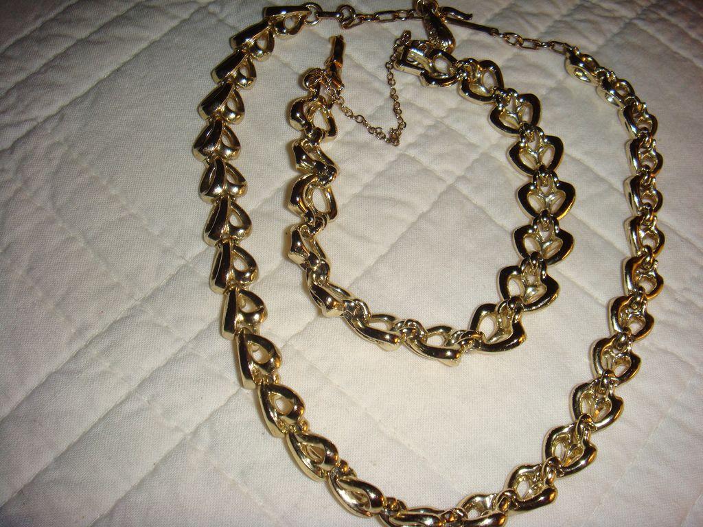 Valentine Coro Demi Parure Heart Necklace and Bracelet