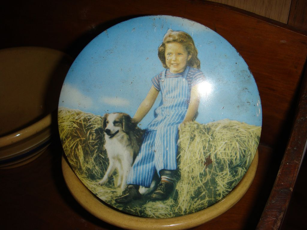 Australia Candy Tin Little Girl and Her Dog