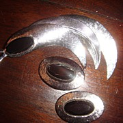 Silvertone and Black Hematite Whiting Davis SNAIL Brooch And Earrings Set