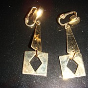 Darling Goldtone Dangle Earrings Great Geometric Style!