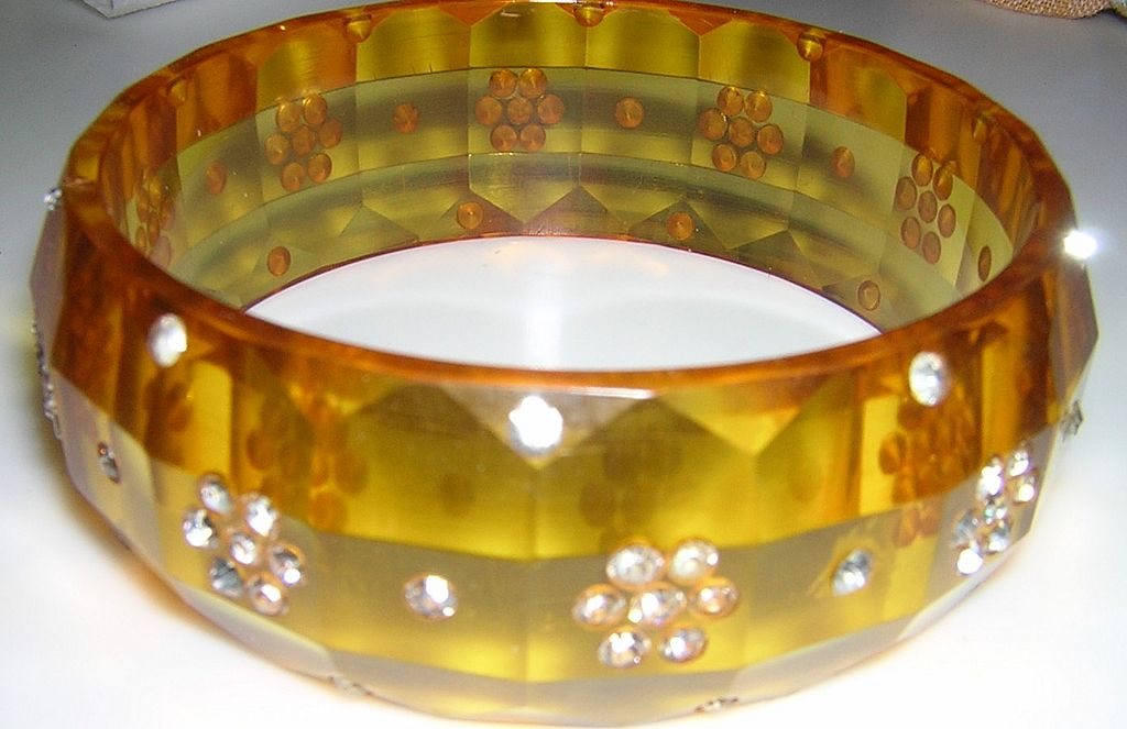 Applejuice Rhinestone Bakelite Bracelet