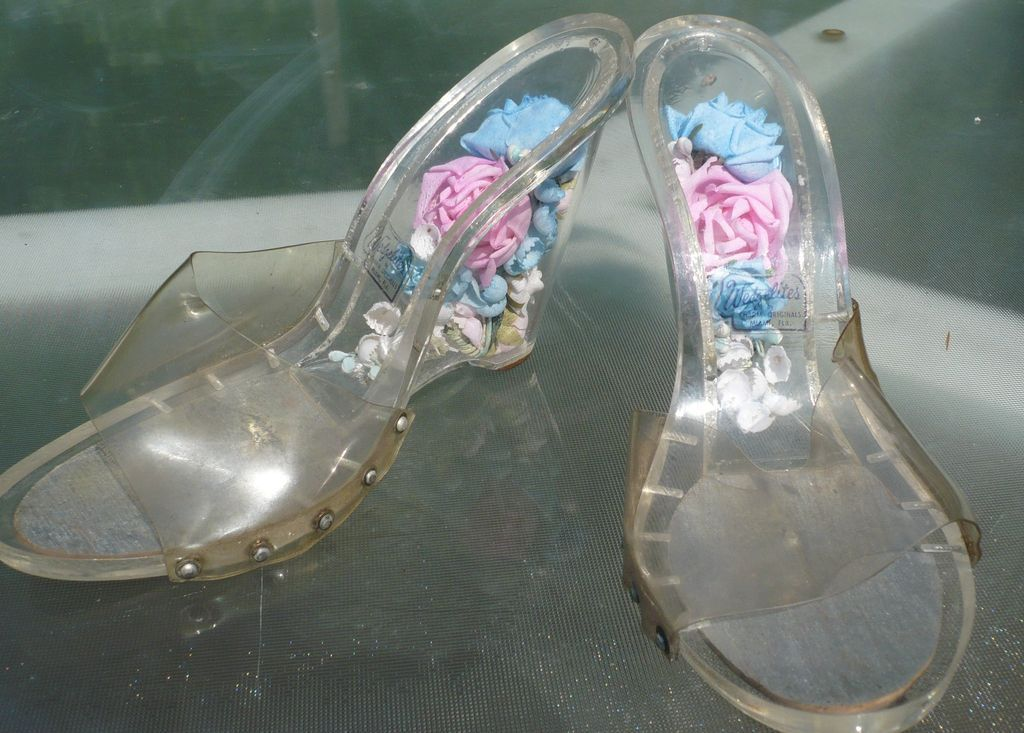 Vintage Lucite Shoes Flower Encased Heels