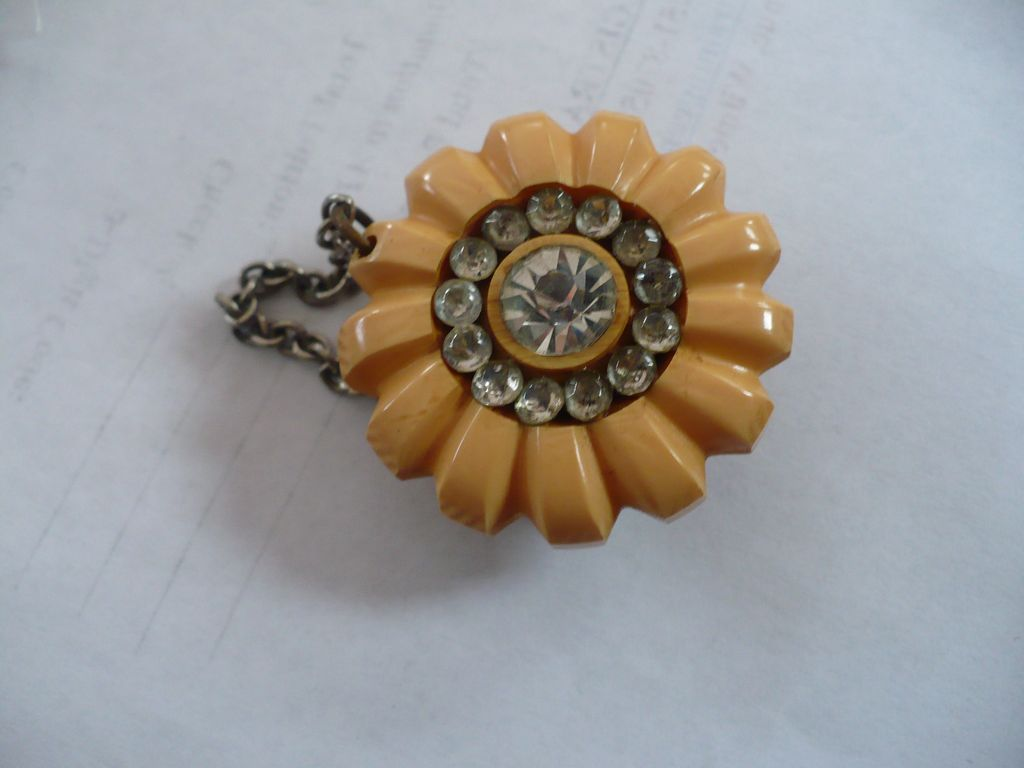 Bakelite & Rhinestone Snap on Closure