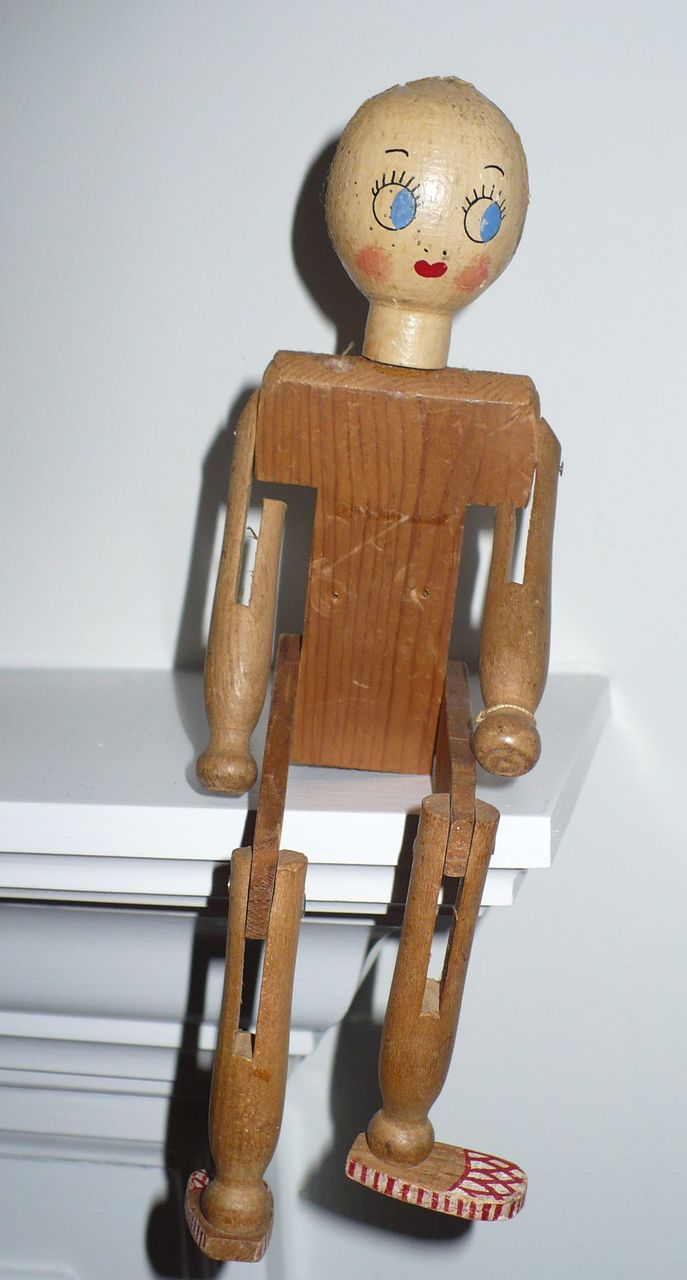Folk Art Clothes Pin Doll