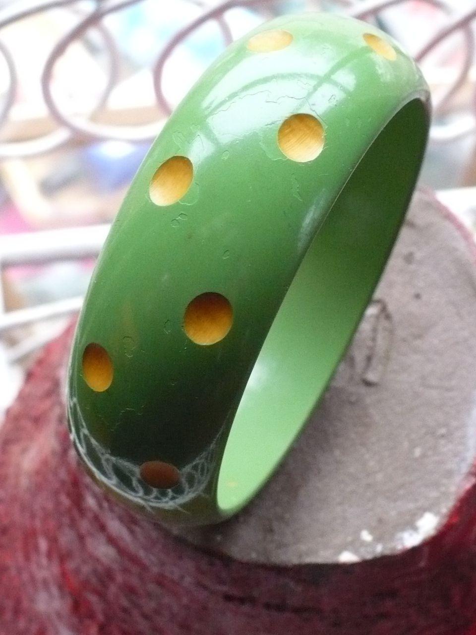 Bakelite Green Dot Bracelet