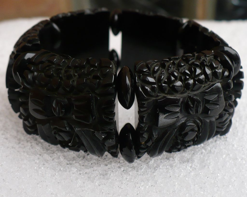 Black Bakelite Carved Bows Stretch Bracelet