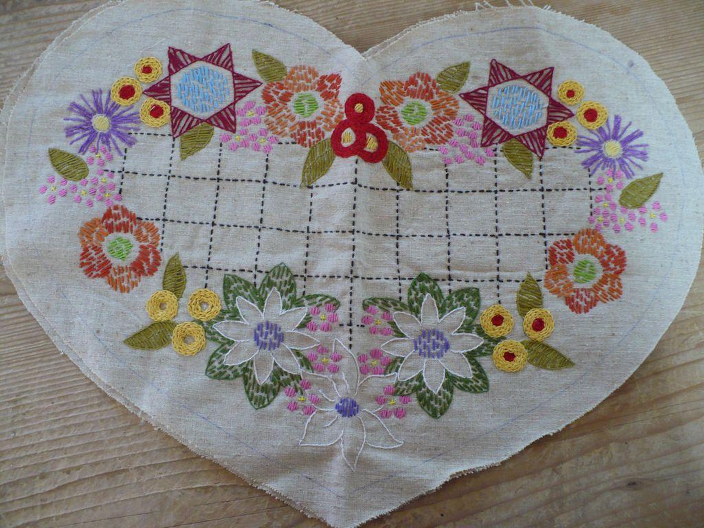Vintage Heart Shape Embroidered Linen