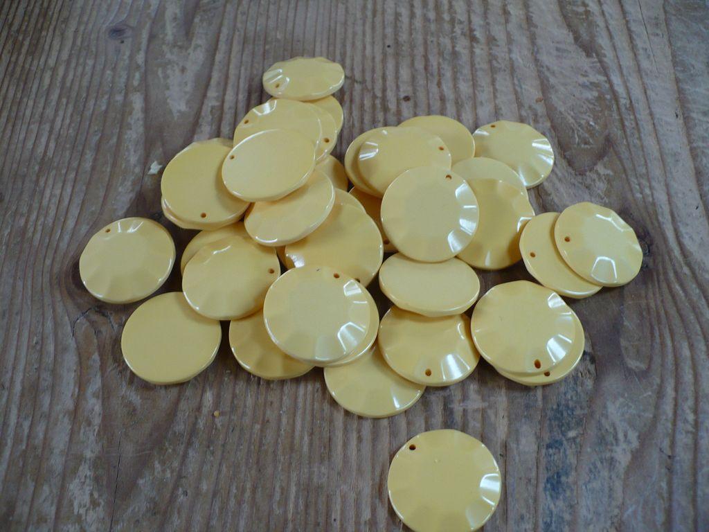 36 Cream Bakelite Discs