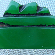 Green Bakelite Boat Button