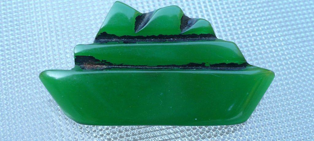 Green Bakelite Boat Button