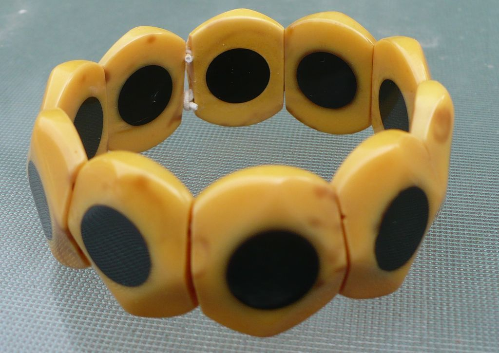 Bakelite Stretch Dot Bracelet