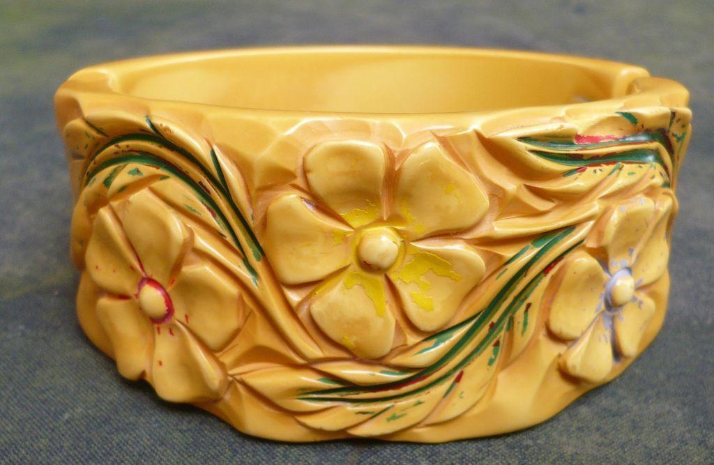 Floral Bakelite Hinge Bracelet