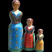 Wood Nesting Dolls