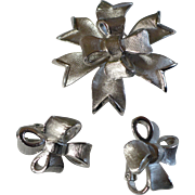 Trifari Bow Pin & earrings
