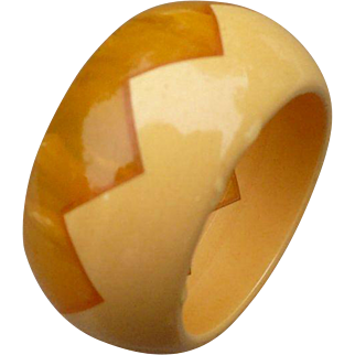 Yellow Bakelite Zig Zag Ring