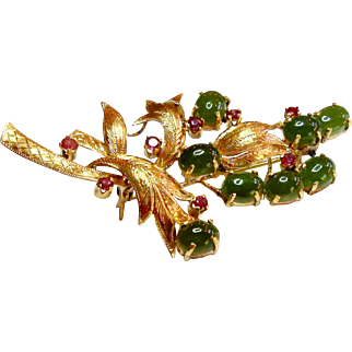 14k Yellow Gold Floral Brooch with Rubies & Jade circa 1950