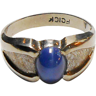 10K White Gold Blue Cabochon Lindy Star Sapphire Ring size 11.5