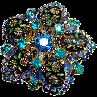 DeLizza & Elster Juliana Oval Engraved Flower Brooch in Blues circa 1960
