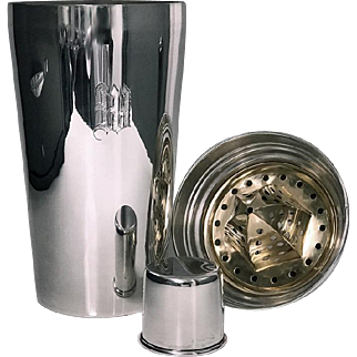 Very Rare Art Deco Sterling Silver Cocktail Shaker with integral lemon squeezer, C.1930