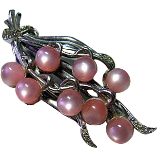 Vintage Fur Clip Brooch Pink Moonglow Beads Silver Tone & Rhinestones