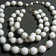 Vintage Milk Glass White Facetted &; Rondel Beaded Necklace/Bracelet SET
