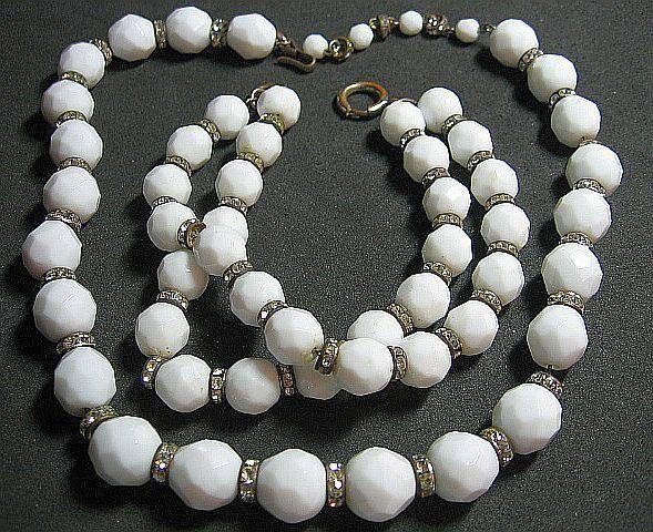 Vintage Milk Glass White Facetted &; Rondel Beaded Necklace/Bracelet SET