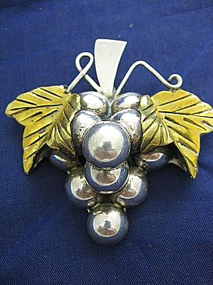 Signed Exceptional Brooch/Pin Vintage Taxco Mexico Grapes 925 Sterling Silver