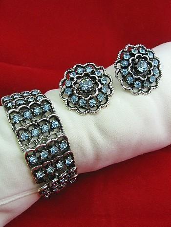 Gorgeous Bracelet & Earrings Set Vintage Blue Rhinestone & Silver Tone