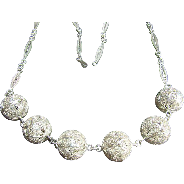 Vintage Fine Dainty Filigree Balls Sterling Silver 925 Necklace