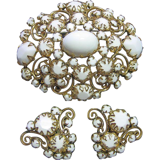 Showy White Glass & Gold Tone Scroll/Filigree Brooch/Pin & Clips Earrings Vintage Set