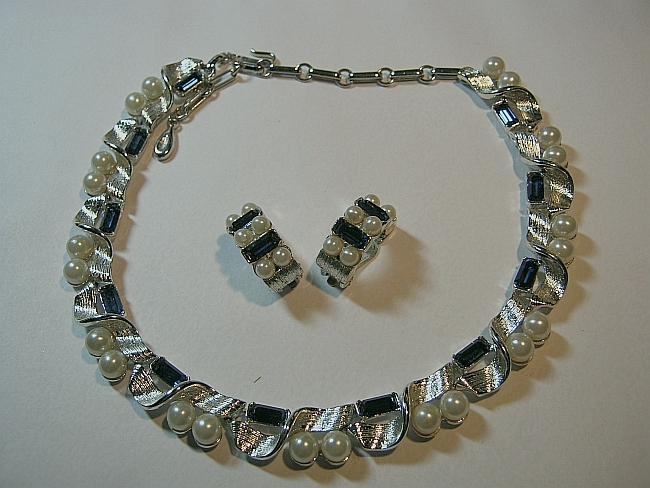 Vintage Signed Lisner Faux Pearl & Faux Sapphire Blue Necklace & Earrings Set
