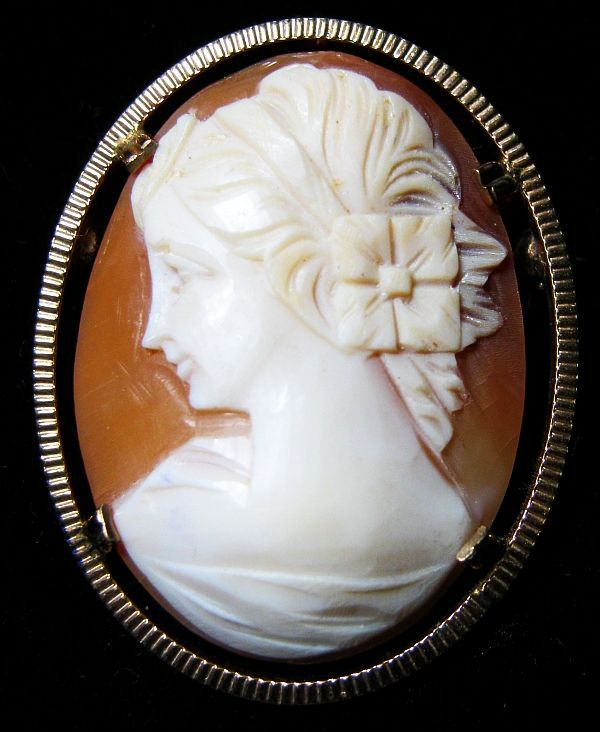 Signed 12kt GF Vintage Carved Cameo Pin/Brooch/Pendant Shell Left Facing Bridal