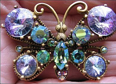 Vintage Pin/Brooch Glitzy Butterfly Purple Head Light, Blue, Aurora Borealis Rhinestone