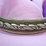 "Big Size 8"" Fancy Silver Tone Bangle Bracelet"