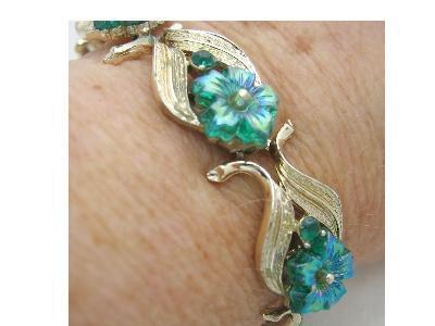 Vintage Signed Coro Bracelet Iridescent Green Glass Flowers & Rhinestone Gold Tone