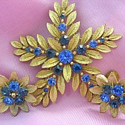 Vintage SET Brooch/Pin/Earrings Signed Lisner Shades of Blue Flower