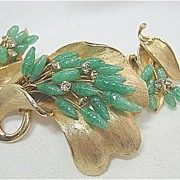 Vintage Green Jade & Rhinestone Gold Tone Flower Brooch/Pin & Earrings Set