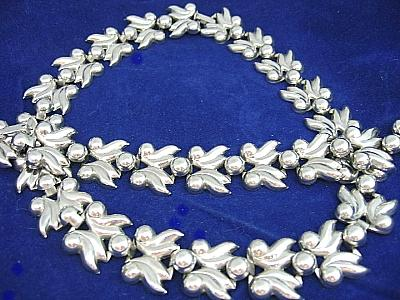 Vintage Silver Tone Leaves/Berries Necklace & Bracelet Set