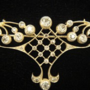 Luscious Brooch with 2.50 Carats of Diamonds