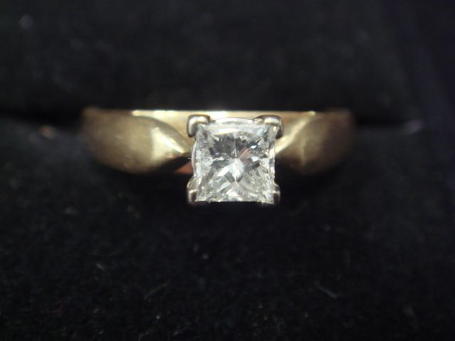 Lovely Colorless Diamond Engagement Ring