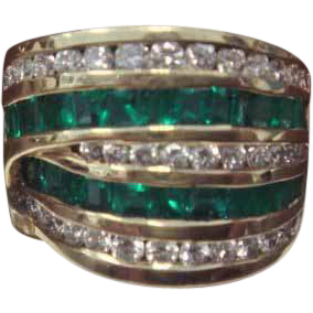 Emerald & Diamond Dinner Ring, in 18K Gold