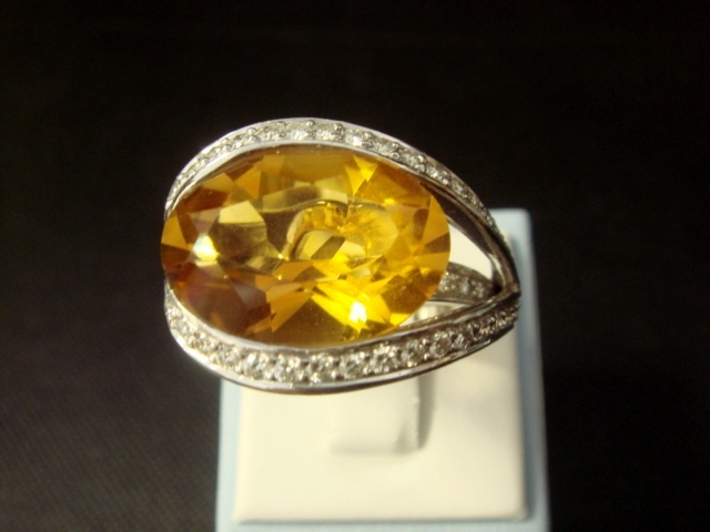 Swoop! 18K White Gold Citrine and Diamond Ring