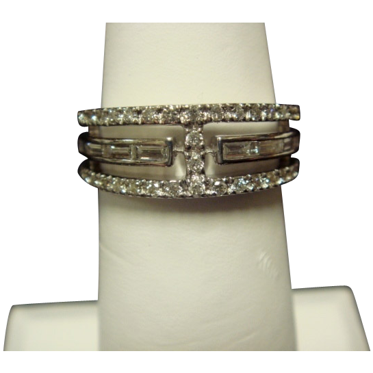 Smart Diamond Band in 14K White Gold