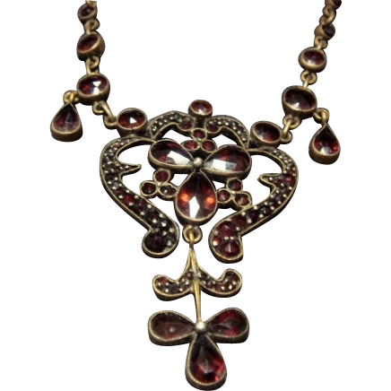 Fantastic Vintage Czech Garnet Necklace