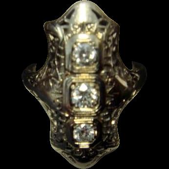 Lovely 18K Art Deco Diamond Dinner Ring